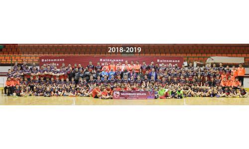 18-19_web.jpg